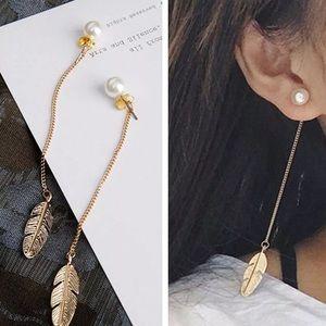 Feather dangle pearl earrings